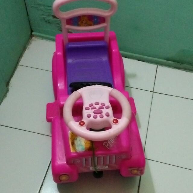 Mainan Mobil Music