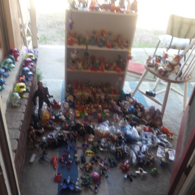 Many vintage toys about 300