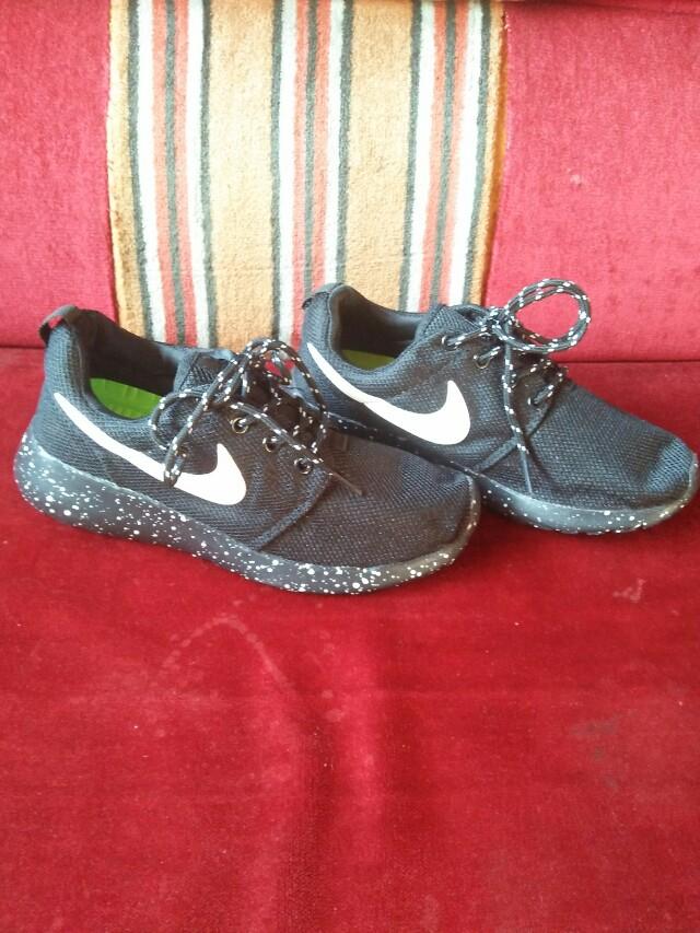 9680a1d3b11f0 Nike Roshe Run for Sale!!!