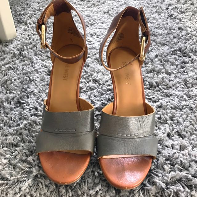 Nine West Brown x Grey Leather Sandals