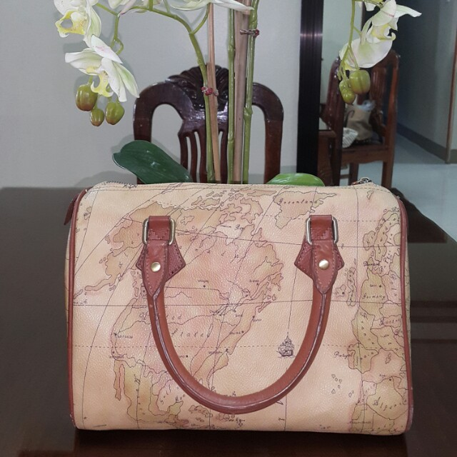 FLASH SALE! Preowned Map Bag