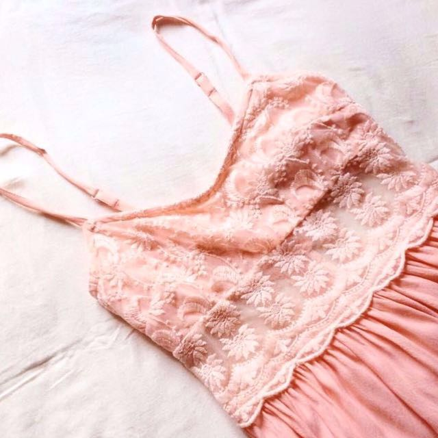 [Topshop] Peachy Embroidered Sundress With Lace Mesh.