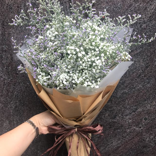 Valentine's Day Bouquet Baby Breath And Caspia