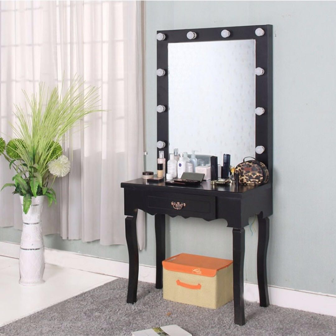 Victorian Studio Dressing Table With 10 LED Lightbulbs Celebrity Hollywood  Makeup Mirror Black Customised New, Furniture, Others On Carousell