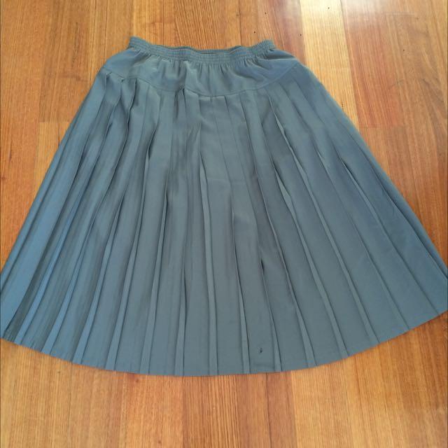 Vintage Khaki Pleated Maxi Skirt