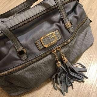 New Guess Bag (broken zip & a bit dirt)