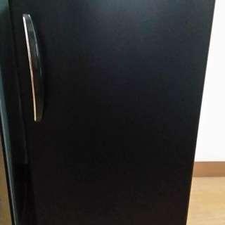 SALE! Black Kelvinator 5.7 Cu.ft Refrigerator