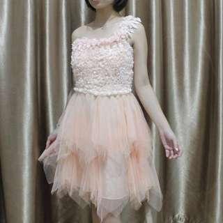 Dress / gaun