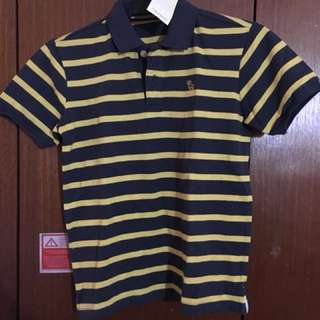 New with tag polo shirt size L for boys
