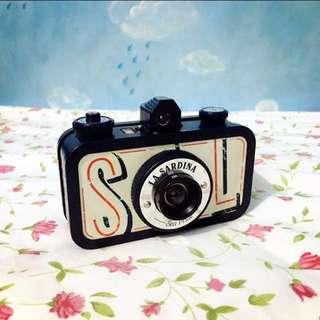 Lomography - La Sardina Camera (Sea Pride)