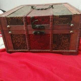 Vintage Wooden Box (mandala)