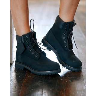 Timberland黑色4孔軍boots