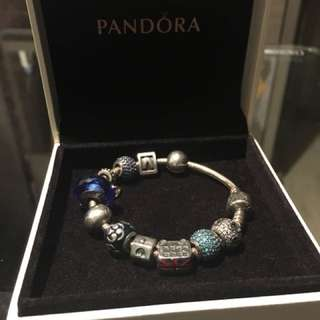 Pandora 手鍊with 9 charms
