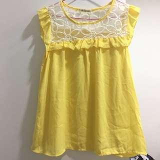 🚚 日牌 日系雪紡蕾絲花朵拼接 寶寶黃 微袖子荷葉邊 背心上衣