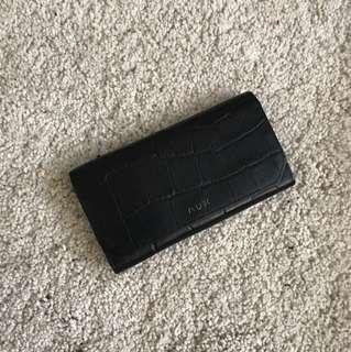 Aritzia AUX wallet
