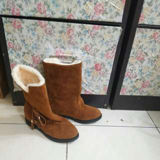 Woman boot size 7
