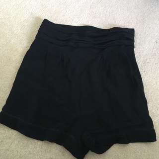 BLACK GLASSONS SHORTS