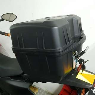 Motorcycle Box Include Fixing Brand New Fits most motorcycle 40L