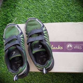 Clarks Shoes original size 33 for kids / boy