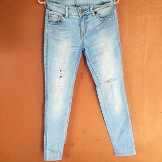 Uniqlo tattered jeans