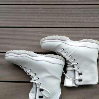 nike future boots waterproof