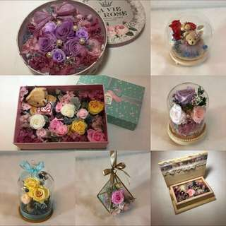 Preserved roses in a box / preserved flowers in a box