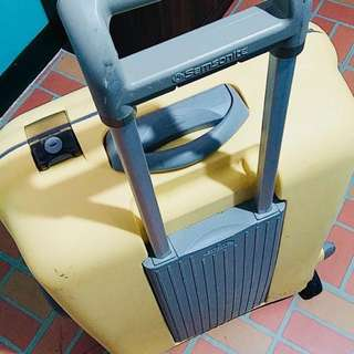 Samsonite Medium Trolley (light yellow)