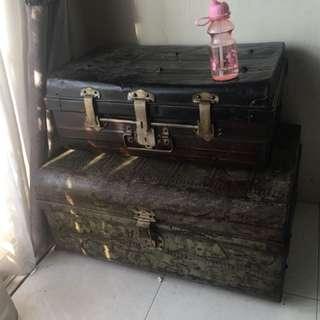 Antique Vintage Rare Retro Metalc Trunk