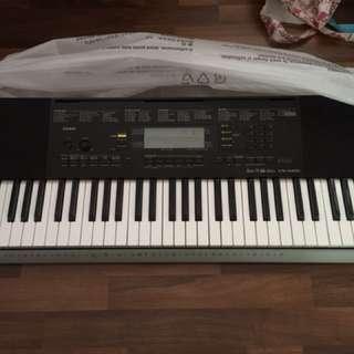 Casio Digital Keyboard CTK - 4400