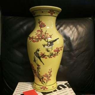 高37cm黄釉手繪喜鵲登梅瓶