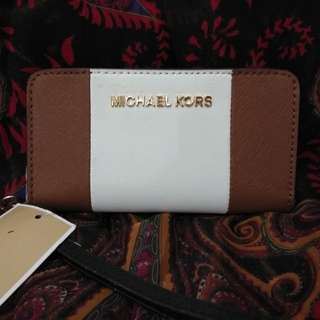 MK slim tech wristlet leather - lugg/wht/blk