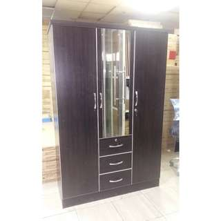 3 door wardrobe with mirror and 3 drawer