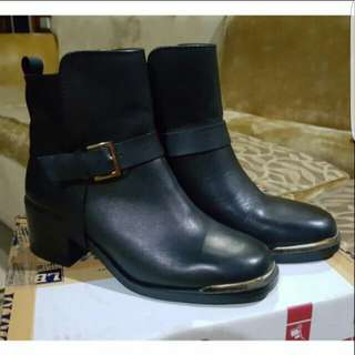 Boots by Stradivarius