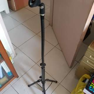 Vertical microphone stand