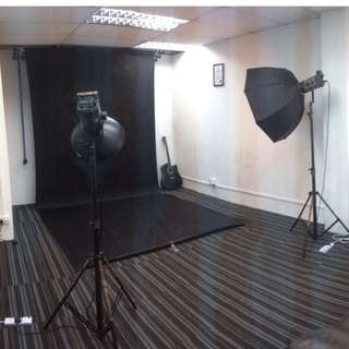 Affordable, Fully-Equipped Photography Studio For Hourly Rental!