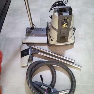 Delphin Vacuum Cleaner (not working)