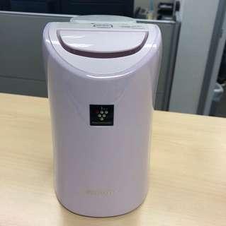 Sharp desktop air-purifier
