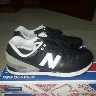 Authentic, barely used New Balance 574