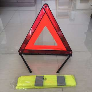 Fordable Warning Triangle and safety vest
