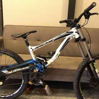 Lapierre DH 720 Carbon Fibre Swing Arm Full Suspension Bike