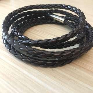 ULB 39-Unisex Leather Bracelet