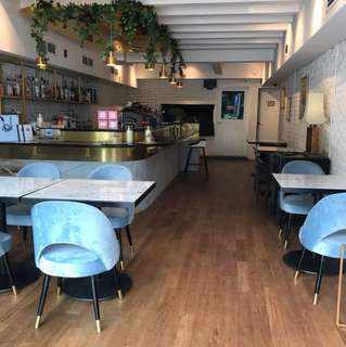 First floor cafe bar for rent