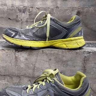 Sepatu eagle size 40