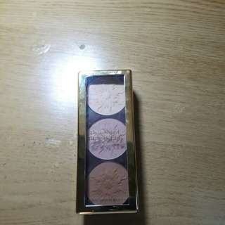 Very pigmented bronzer