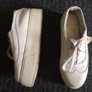 White Shoes Import