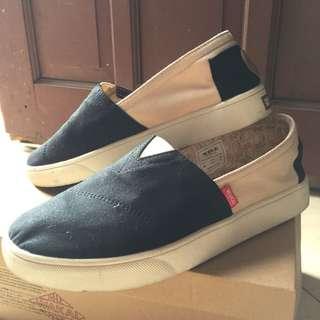 Sepatu Wakai Hashigo