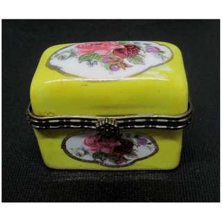 Yellow Porcelain Trinket Box - Rose / Floral Design