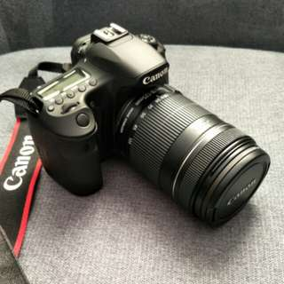 Canon 60D (very low shuttercount)