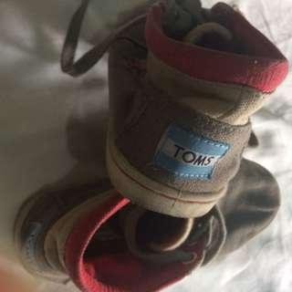 Preloved Tom's Shoes