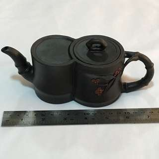 30% OFF GREAT CNY GIFT/SALE (Collectibles Item - Vintage Teapot} Very Unique Vintage Chinese Teapot 古董茶壶